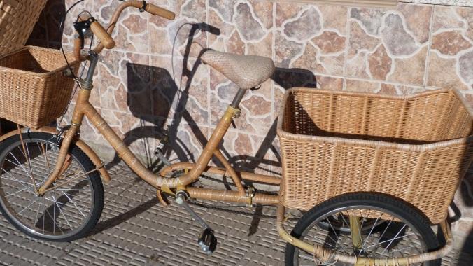 Bicicletas hechas de cestería de castaño